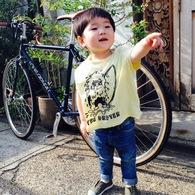 モデルさながらポージング♪コタ君(2歳)