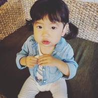 寝起きチョキチョキ ☆ホノカちゃん(1歳4か月)